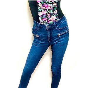 Hollister Mid Rise Skinny Jeans